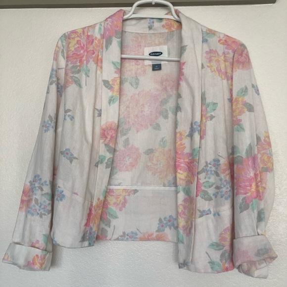 Old Navy Jackets & Blazers - Lovely, unique, floral print lightweight blazer
